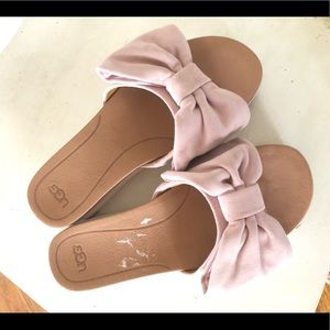 Ugg sandals blush pink